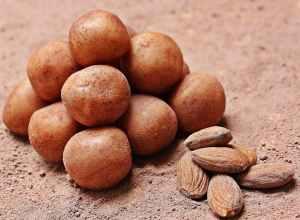 almonds batch brown calories